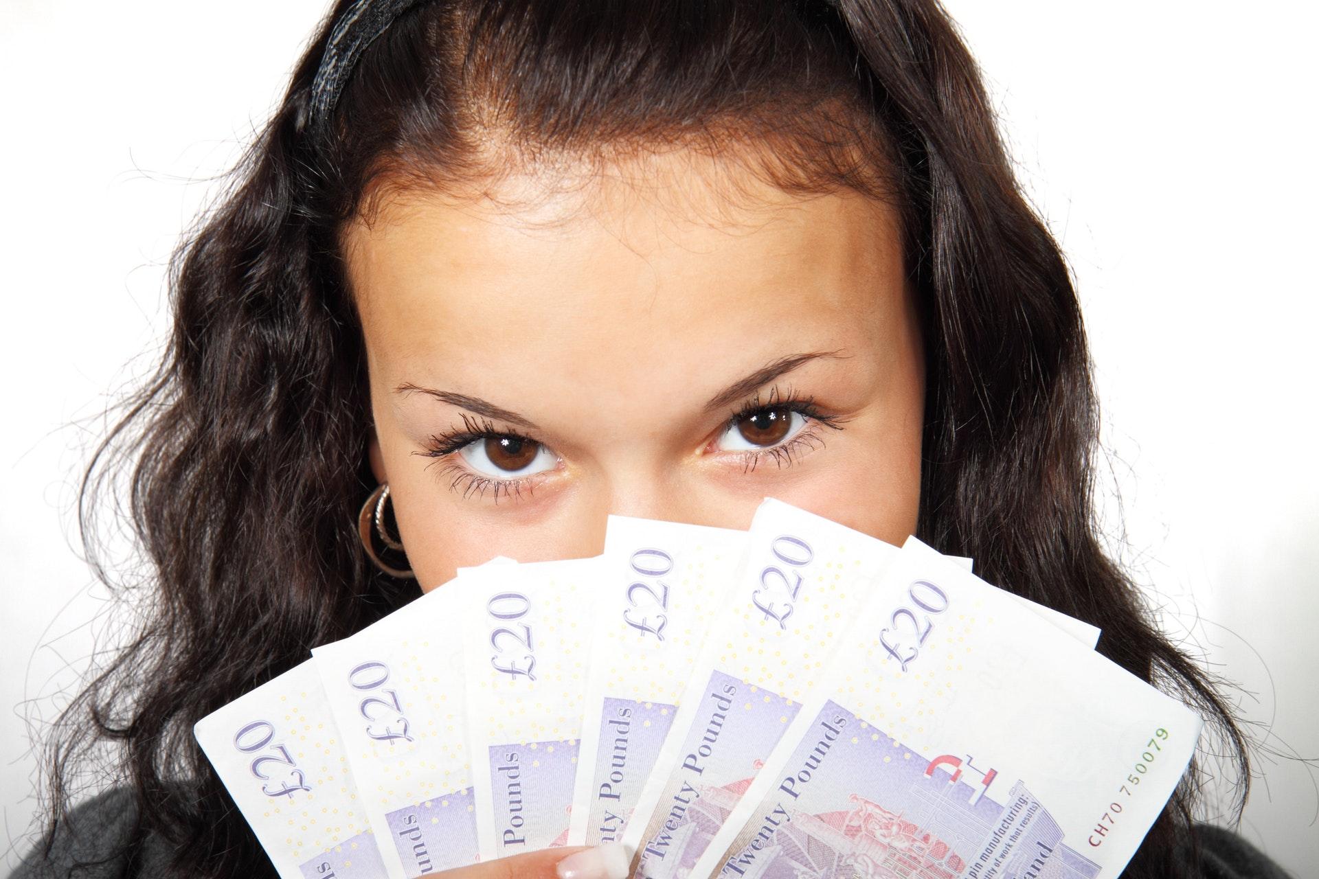 お金を使いすぎる癖は「お金の出入口」に原因があった