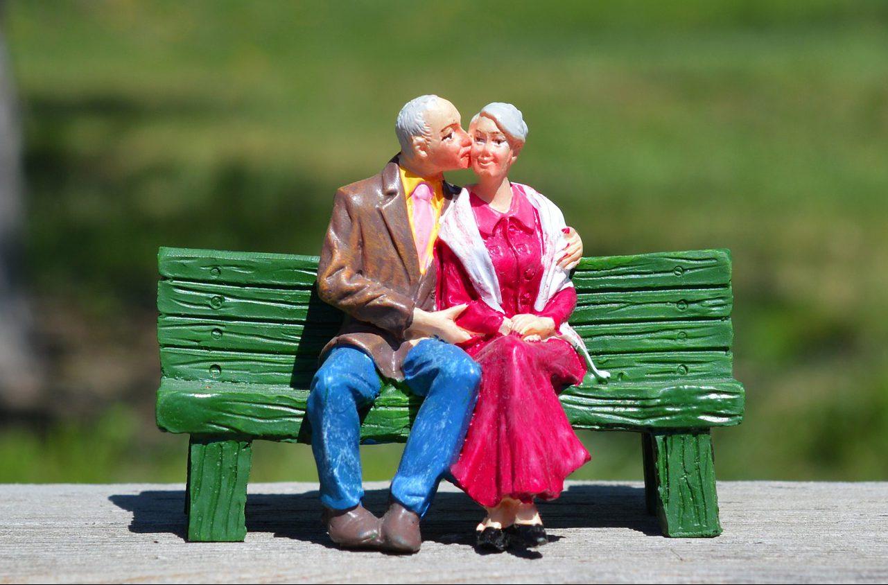 夫婦関係の悩み整理「あなたたちは並んでいますか?」夫婦円満の秘訣